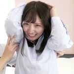 可愛い人気女優がバンザイして腋コチョコチョ責められ笑顔で悶絶するくすぐり動画